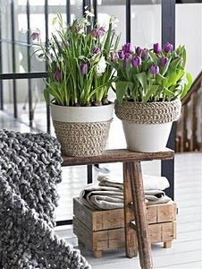 Glue large rope on white flower pots for out back