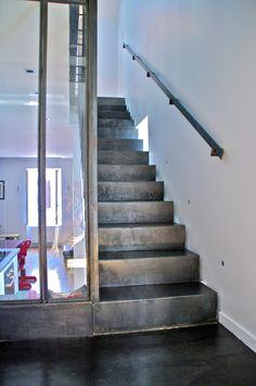 quelques id es cr atives de rangement sous pente bibliotheque sous escalier rangement sous. Black Bedroom Furniture Sets. Home Design Ideas