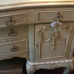 Buffet painted in Old Ochre, French Linen and Old White
