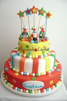 Bolo palhaços - Circus cake by Alexandra Bolos Artísticos, via Flickr Birthday Fun, Circus Birthday, Birthday Stuff, Birthday Cakes, Birthday Ideas, Circus Party, Circus Wedding, Fondant Cakes, Cupcake Cakes