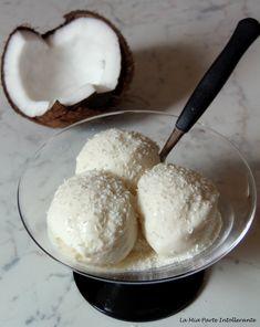 Cremoso gelato al cocco senza glutine, lattosio e panna. Perfetto per una merenda fresca e golosa.