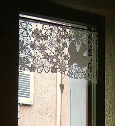 A ma fenêtre...    Papiers découpés de Stéphanie Miguet