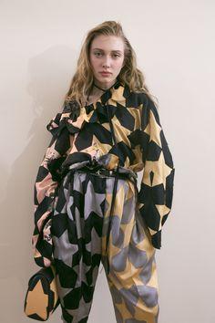 Nina Ricci at Paris Fashion Week Fall 2017 - Backstage Runway Photos