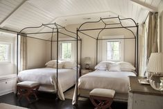 Caitlin And Emily Argue About Canopy Beds (And Discover The Secret To Making Them Work With Regular Height Ceilings) - Emily Henderson Cheap Modular Homes, Living Room Decor, Bedroom Decor, Bedroom Retreat, Transitional Bedroom, Luxury Homes Interior, Elle Decor, Decor Interior Design, Interior Plants