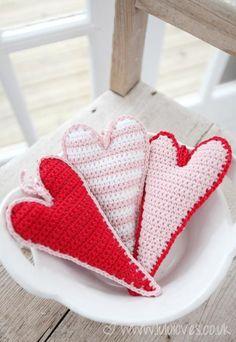How to & free pattern, crochet-skinny-hearts