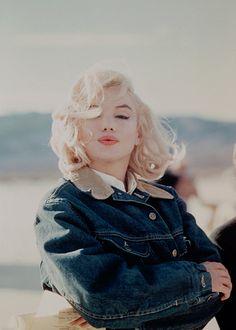 "missmonroes: "" "" Marilyn Monroe photographed on the set of The Misfits (1961). "" """