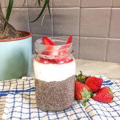 Les graines de chia est une découverte relativement récente. Et il faut bien le dire, J'ADORE! Voici une recette pour un petit déjeuner parfait : sain, gourmand et qui vous tiendra au ventre sans fringale toute la matinée ! Mais vous pouvez aussi le déguster en collation voire même en …