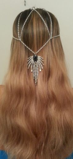 LOVIN it!! This is cool especially for long hair!! ❤ FLAPPER HEAD JEWELRY- gatsby www.etsy.com/shop/kaycelyn
