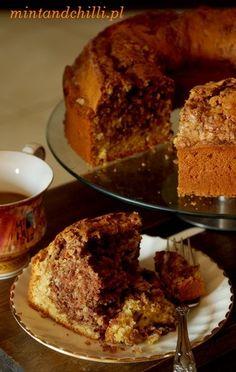 Coffee cake with walnuts and Cinnamon.