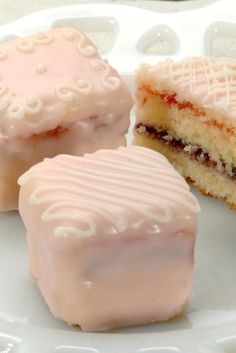 Poured Fondant Icing Recipe, This frosting is the traditional coating for baked goods like petits fours. It can be tinted any color you like, and makes a lovely, slightly sheer glaze over a cake or cupcakes. Work with it warm, and simply pour it over whatever you're planing to frost.