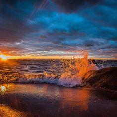 Good night #clouds #sky #sea #sunset #sun_sky_world #finland_bestsunset #hakunti #lohtaja #kokkola #suomi #finland #ig_finland #landscape #nature #autumn #waves #beach