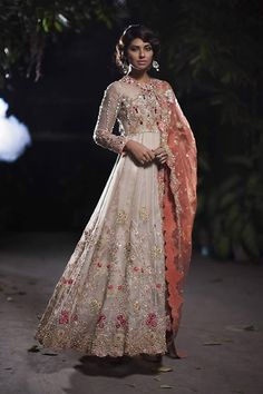 Deepak-Perwani--Bridal-Dresses-2016-b