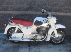 Honda Dream 305 - Right Side