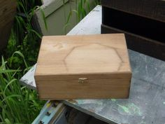 Icky thrift store wood box turned into a real treasure.  http://trash2treasure.wordpress.com/2012/06/13/plain-wood-box-prettied-up/