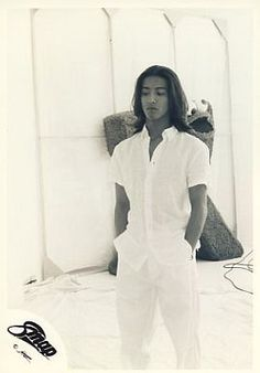 木村拓哉 Asian Men, Takuya Kimura, Famous Men, Muse, Handsome, Mens Fashion, Long Hair Styles, Black And White, Moda Masculina