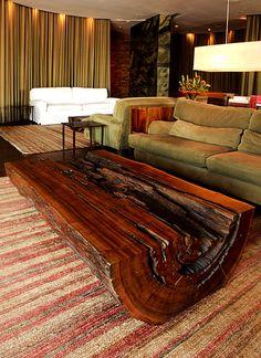 Mesa tora - veja modelos lindos! - Decor Salteado - Blog de Decoração e Arquitetura Decor, Rustic Furniture, Log Furniture, Wood Furniture, Diy Furniture, Home Furniture, Wood Table Design, Home Decor, Furniture Design