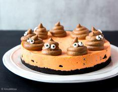 Emoji-teema jyrää nyt leivonnaisissa. Yksi emoji on näin halloweenin alla ylitse muiden: se on tietenkin gagga 💩. 🙂 Yhdistin kakkuun syksyisen värityksen ja mustanpuhuvat Oreot, jotka antavat appelsiinitäytteelle kivan efektin. Oreokakku emoji-teemalla Pohja: 200 g Oreo-keksejä 50 g voita Oreo-appelsiinitäyte: 10 Oreo-keksiä 6 liivatelehteä 1 appelsiinin kuoriraaste 1 dl appelsiinimehua 4 dl vispikermaa 2 rkl […] Cheesecake, Birthdays, Halloween Desserts, Food, Kids, Anniversaries, Young Children, Boys, Cheesecakes