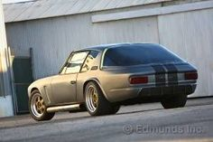 1971 Jensen Interceptor - Fast and Furious 6 It looks like an old Gremlin from the in the back. Furious 6, Fast And Furious, Best Cheap Sports Cars, Jensen Interceptor, Dominic Toretto, Bmw 6 Series, Aston Martin Vanquish, Performance Cars, Ford Gt