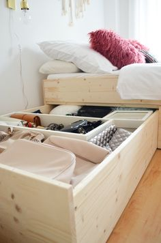 DIY | Minimalistisches Stauraumbett | DIY storage bed build with plywood