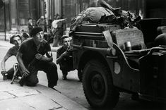 vintage everyday: 20 Incredible Photographs of France Taken by Robert Capa During World War II