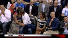obama kissing wife on kiss cam
