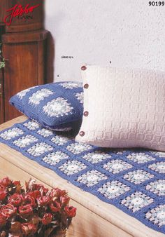 Classic knitted pillow.