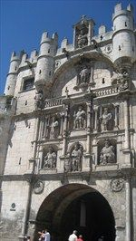 Arco de Santa María - Burgos, Spain   / The Arco de Santa María is one of Burgos' most emblematic monuments.