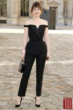 Dakota-Johnson-Paris-Fashion-Week-Christian-Dior-Tom-LOrenzo-Site-TLO (1)
