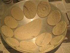 curving textured trays