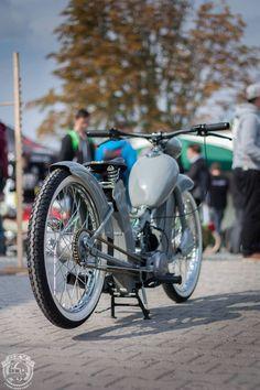 Jim Scott's media statistics and analytics Vintage Moped, Vintage Motorcycles, Custom Motorcycles, Cars And Motorcycles, Custom Moped, Custom Bikes, Cool Bicycles, Cool Bikes, Motorised Bike