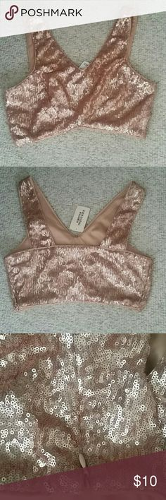 NOT AVAILABLE! SOLD ON ANOTHER SITE NWT!!! ZIPPERED side. Rose gold sequin crop top Forever 21 Tops Crop Tops