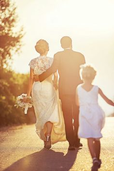 Flower girl by B-roll Studio  #wedding #love #picoftheday #bride #groom #flowergirl #brollstudio