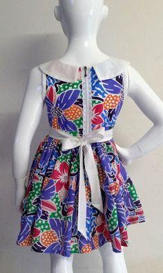 Robe enfants printemps été Robe fille par DouceurdeProvence84 Baby African Clothes, African Dresses For Kids, African Print Dresses, Little Girl Dresses, Girls Dresses, African Fashion, Kids Fashion, Fashion Design, Ankara Dress Designs