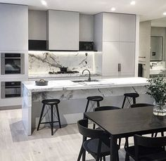Kitchen detail at #luminary for#lechtecorp the stone was key design statement,a piece of artwork in its own right . Stone @signorinotilegallery floor @woodcut_aus @mipmipmt #mimdesign #mimdesignresidential #kitchenlife @sherwoodinteriors