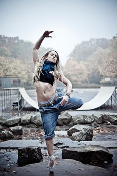 ballerina-mit-dreadlocks-michael-papendieck-2.jpg (533×800)
