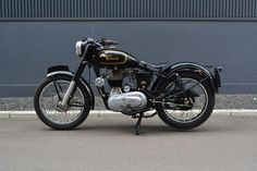 ROYAL ENFIELD BULLET 350|札幌のバイクショップ BROWN Motorcycle Co. Motorcycle Shop, Motorcycle Design, Classic Motorcycle, Motorcycle Quotes, Motorcycle Style, Bullet Modified, Royal Enfield Classic 350cc, Old Bullet, Royal Enfield Wallpapers