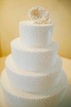 White #weddingcake with a sugar peony | @dianazapata | Brides.com