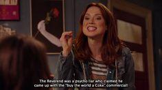 "Kimmy Schmidt (Ellie Kemper) nell'episodio 2x04 (Kimmy Kidnaps Gretchen!) di ""Unbreakable Kimmy Schmidt""."