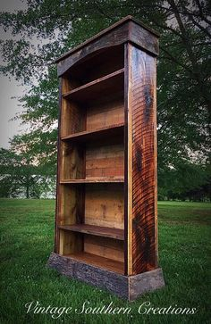 Book shelves built from reclaimed barn wood by Vintage Southern Creations Barn Wood Projects, Reclaimed Wood Projects, Reclaimed Barn Wood, Furniture Projects, Reclaimed Wood Shelves, Furniture Plans, Rustic Bookshelf, Wood Bookshelves, Barn Wood Shelves