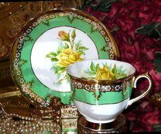 ROYAL ALBERT Tea Cup & Saucer YELLOW ROSE PATTERN LIME & GOLD TEACUP