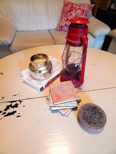 Simple Way to Decorate a coffee table! Love this look!!