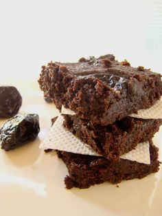 Brownies con Ciruela Pasa Biscotti, Brownies, Chocolate, Desserts, Food, Bananas, Deco, Gastronomia, Prune Cake