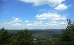 Another shot from atop the mountain at Big Pocono State Park in Tannersville PA Pocono Mountains, Best Places To Eat, A Decade, Where To Go, State Parks, The Good Place, Scenery, Shots, Big