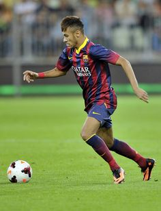 Neymar of Barcelona controls the ball during a Pre Season Friendly match between Lechia Gdansk and FC Barcelona on July 2013 in Gdansk, Poland. Good Soccer Players, Soccer Fans, Football Soccer, Football Players, Messi 10, Lionel Messi, Neymar Jr, Fc Barcelona, All Star