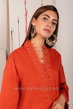 Indian Paksitani Stylish & Best Neckline Gala Designs for Asian Girls 2020 Collection for Asian Women consists of simple casual, heavy formal neck styles Asian Woman, Asian Girl, Gala Design, Neckline Designs, Suit Shirts, Casual Suit, Neck Pattern, Pakistani Dresses, Winter Collection