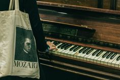 piano, Mozart, and music image Brown Aesthetic, Music Aesthetic, Athena Aesthetic, Artist Aesthetic, Slytherin Aesthetic, Slytherin Pride, Ravenclaw, Touches De Piano, The Secret History