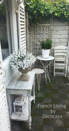#FurnitureStoresNyc Post:5258953032 Fleurs Style Shabby Chic, Shabby Chic Moderne, Bureau Shabby Chic, Flores Shabby Chic, Cumpleaños Shabby Chic, Camas Shabby Chic, Comedor Shabby Chic, Shabby Chic Spiegel, Shabby Chic Colors