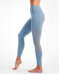 Our mesh alignment yoga leggings with our tummy flattening waistband will lend graceful style to your workout wardrobe - featuring ripped mesh inserts for that edgy look Legging Outfits, Legging Jeans, Sporty Outfits, Leggings Fashion, Lululemon Leggings High Waisted, 30 Outfits, Vest Outfits, Nike Outfits, Harem Pants