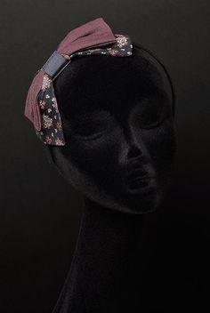 • Dark FLORAL BOW FASCINATOR vintage style with floral print. https://www.etsy.com/shop/RUPHUS