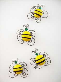 bee wire and bead art - would make cute magnets